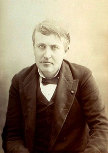 220px-Thomas_Edison_cabinet_card_by_Victor_Daireaux,_c1880s